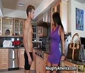 A solas en la cocina con mi nueva madrastra