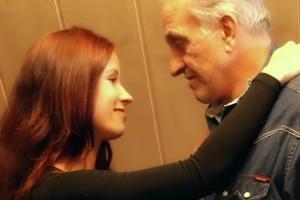 Doy las gracias a mi abuelo por sus atenciones con un polvazo