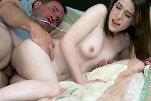 Tener sexo con mi padrastro siempre fue una fantasía y quise cumplirla
