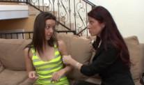 Tiffany Mynx se lanza a por su hija y acaban gimiendo juntas