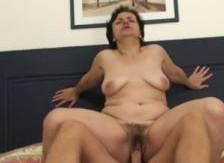 Ver a mi suegra desnuda me puso a cien